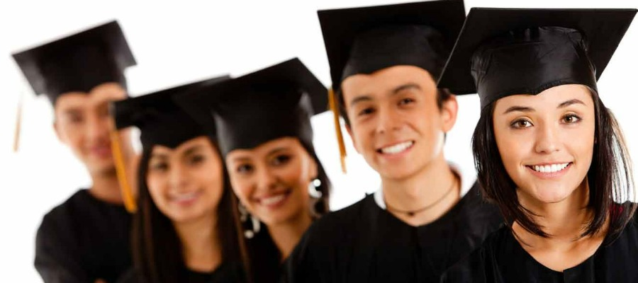 студенты закончившие обучение